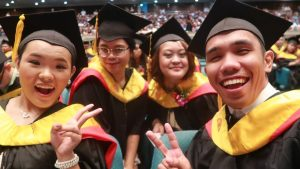 4 Tips for College Graduation Day