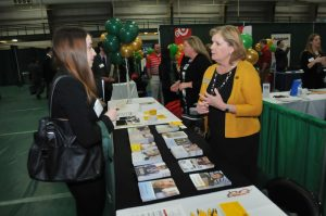 How to Make the Most of Your College Job Fair