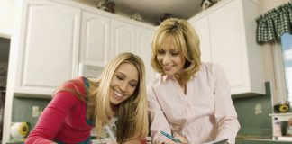 mom helping teen with college transition